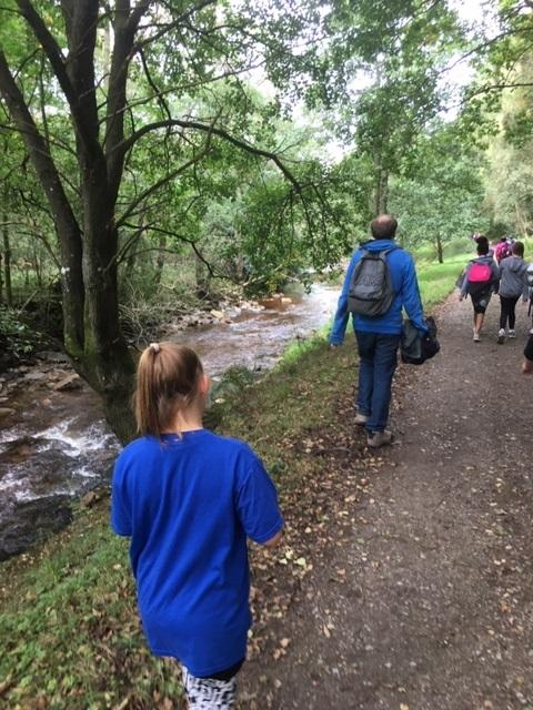 Rotakids Groups - Walking by the stream