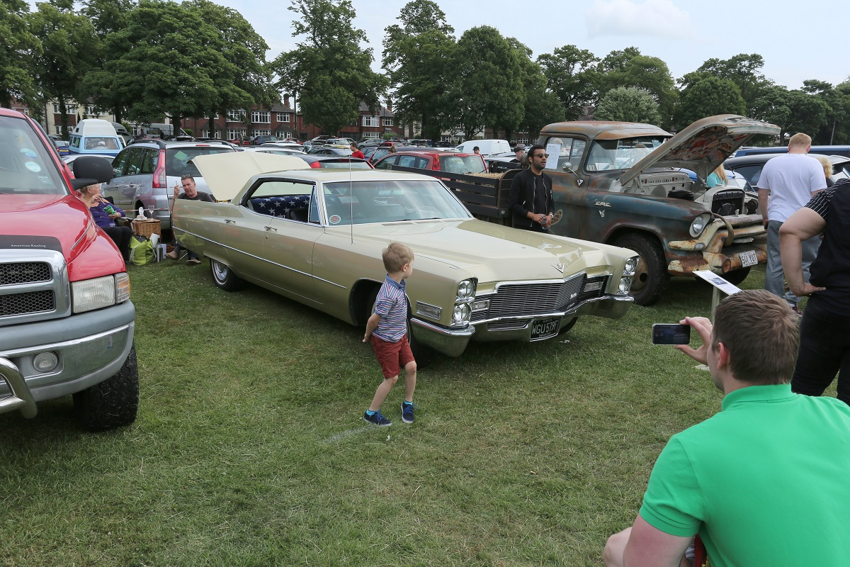 Doncaster Classic Car and Bike Show 2017 - Cadilac De Ville