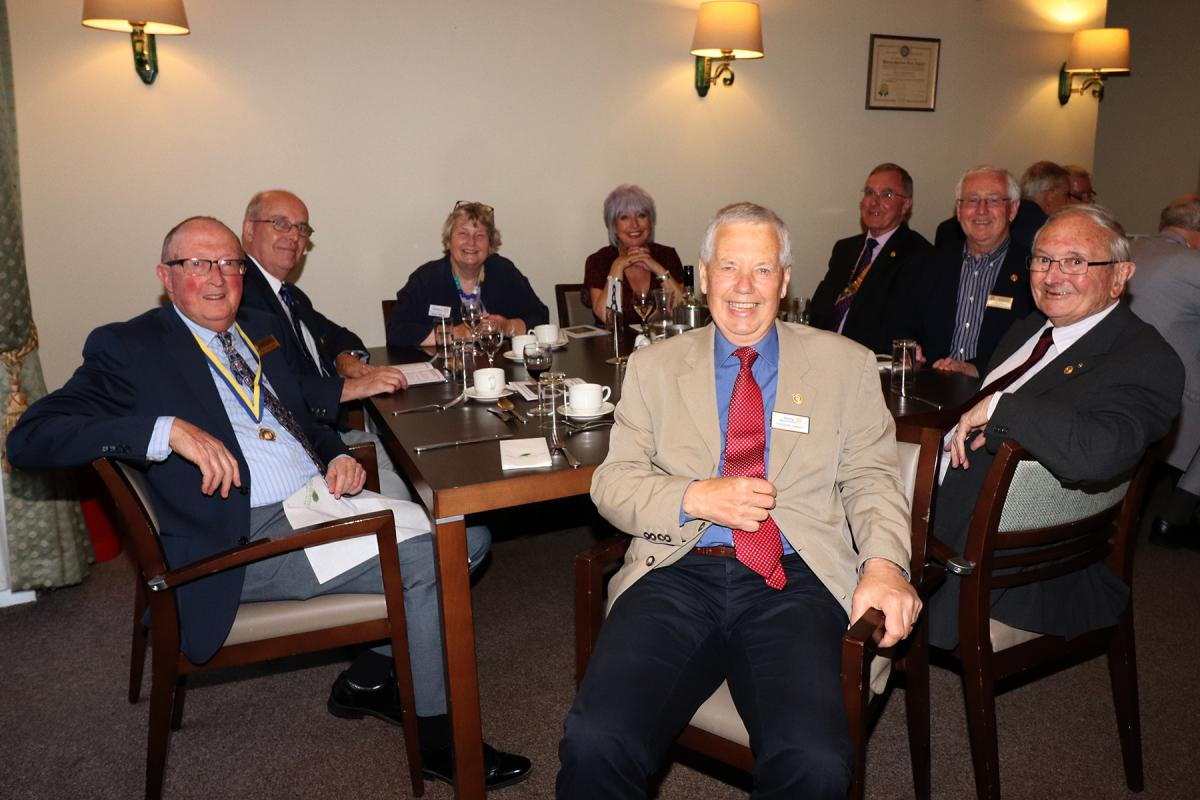 Billericay Town Rotary Club - Table 08