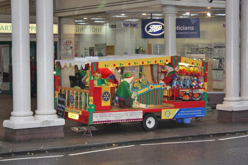 Fleet Rotary Tableau visits Town Centre on 24-12-12 - Photo courtesy of Rotarian Ross Mitchell