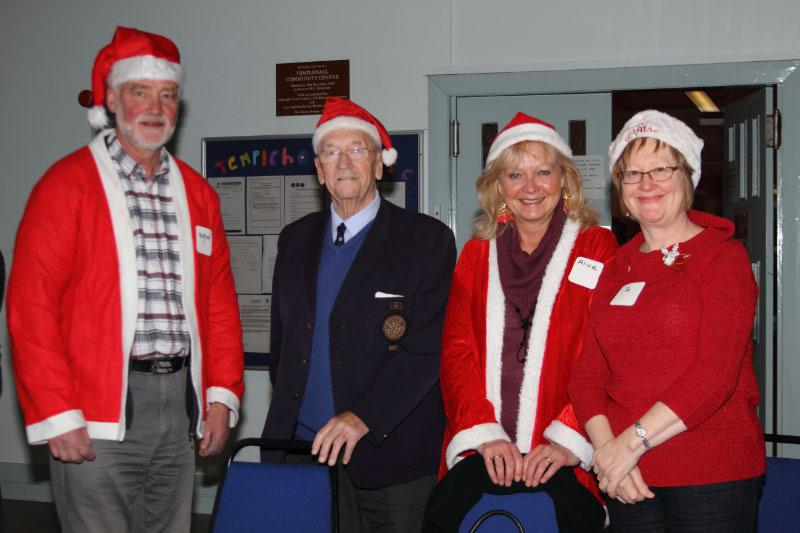 Childrens Christmas Party - PP Robin Lockhart with Kirkcaldy & Kirkcaldy Raith Rotarians