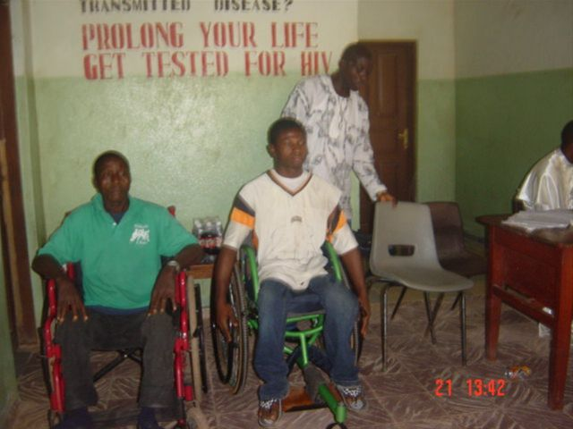 August 2009 wheelchair exhibition in Koidu - Clients