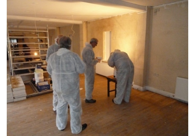 Barton-Le-Clay Rotary supports 'Tools for Self Reliance' in UK & Malawi - Members of the Rotary Club of Barton Le Clay helping with painting the new workshop.