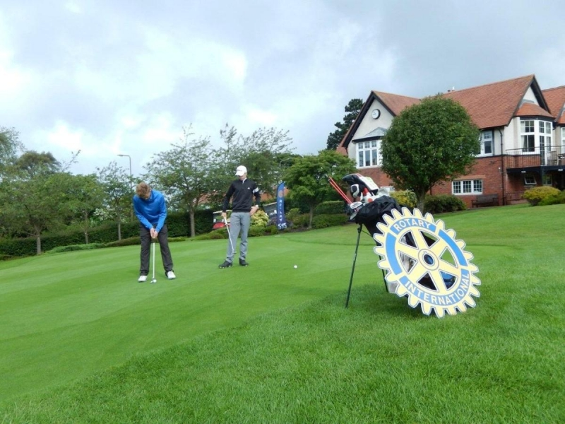 Young Golfer of the Year Competition 2016 - A challenging putt