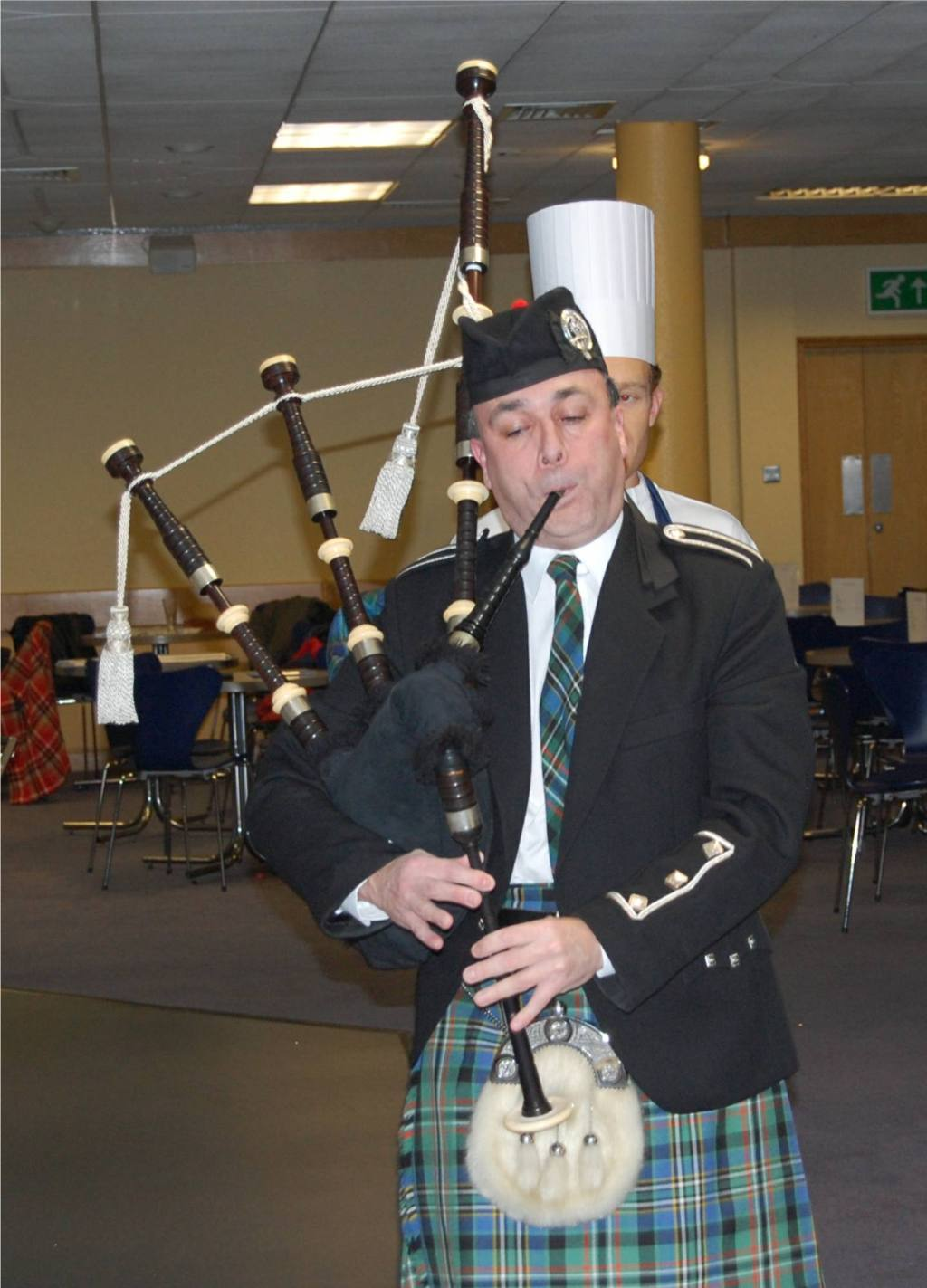 Burns Supper, 23 January 2008 - Alan Hunter pipes in the haggis