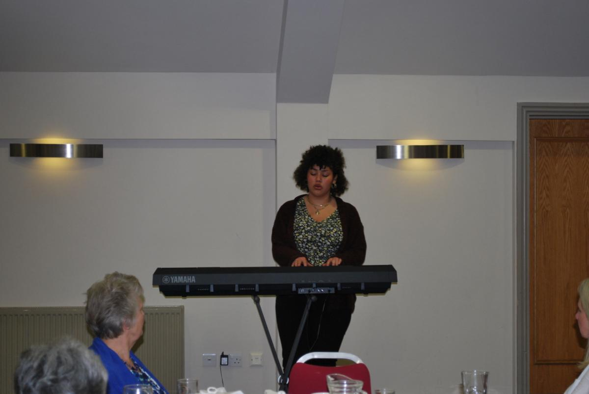 GuestEvening and Presentation Monday 29th October 2018 - Cella Bounds entertaining the audience