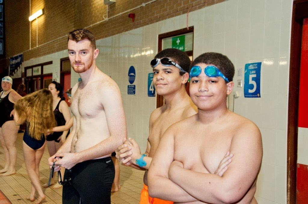 Purley Swimathon 2017 - Pictures - Teams are getting ready!