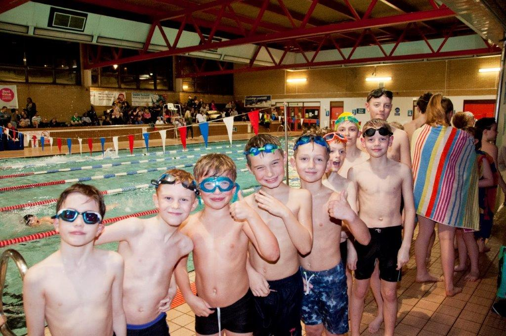 Purley Swimathon 2017 - Pictures - Sorry, how many per team ?