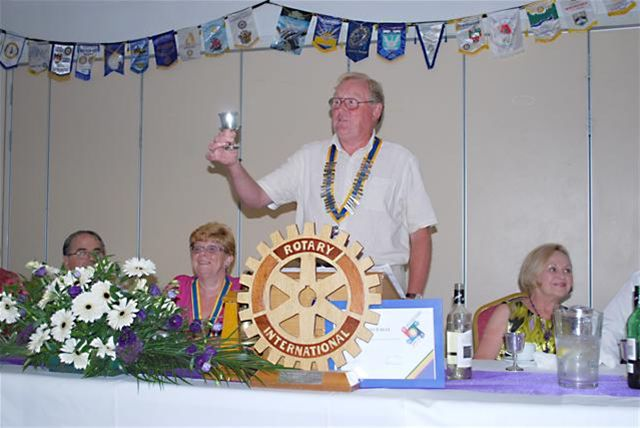 2010-11 Handover Pictures - Immediate Past President Dick Taylor