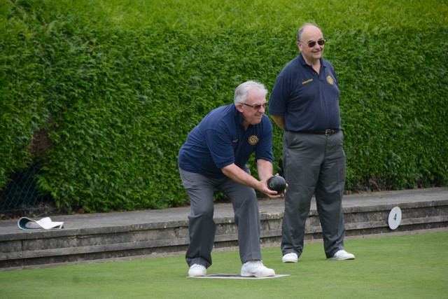 TEAM BASINGSTOKE DEANE THROUGH TO BOWLS FINAL - DSC 8377