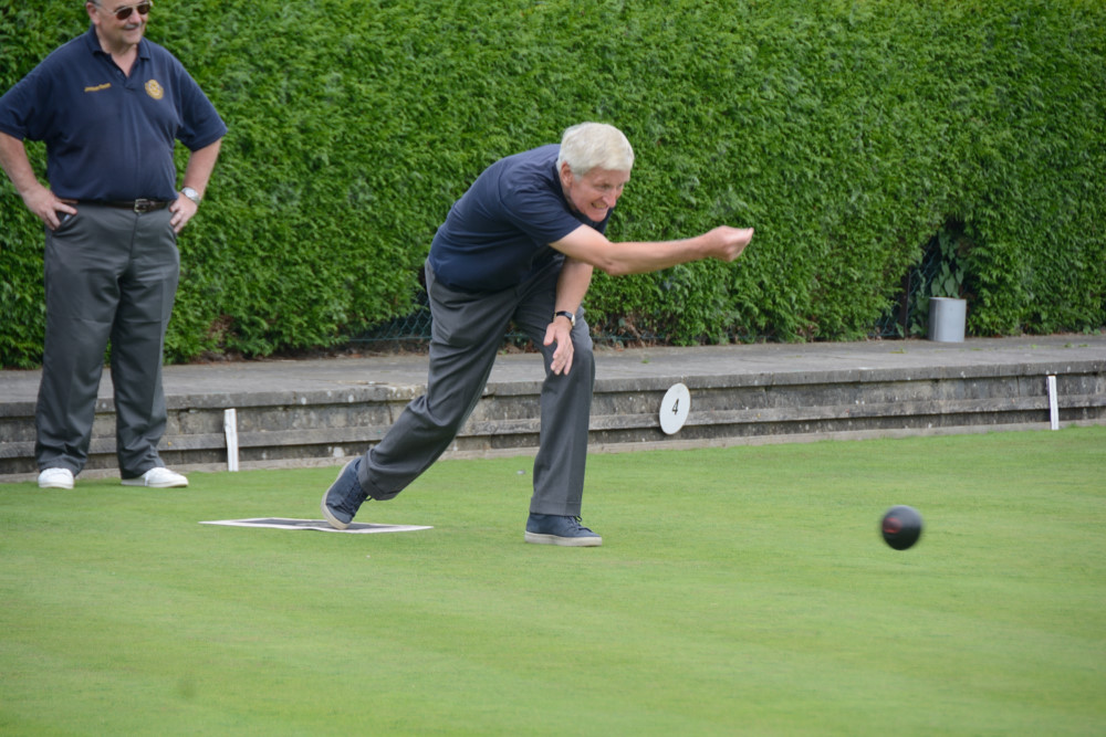 TEAM BASINGSTOKE DEANE THROUGH TO BOWLS FINAL - DSC 8398(1)