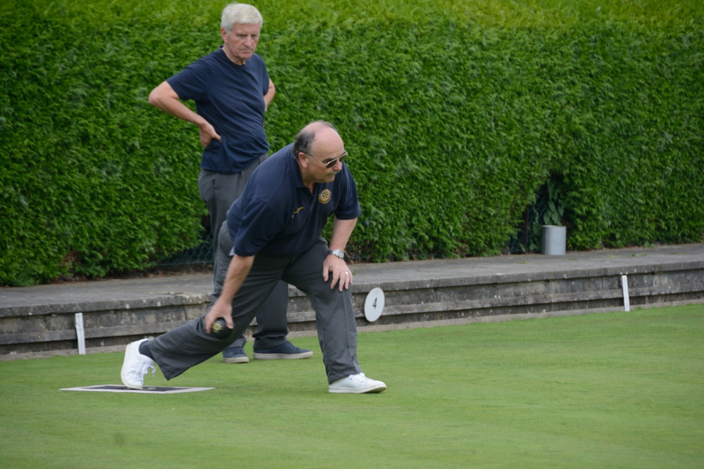 TEAM BASINGSTOKE DEANE THROUGH TO BOWLS FINAL - DSC 8402