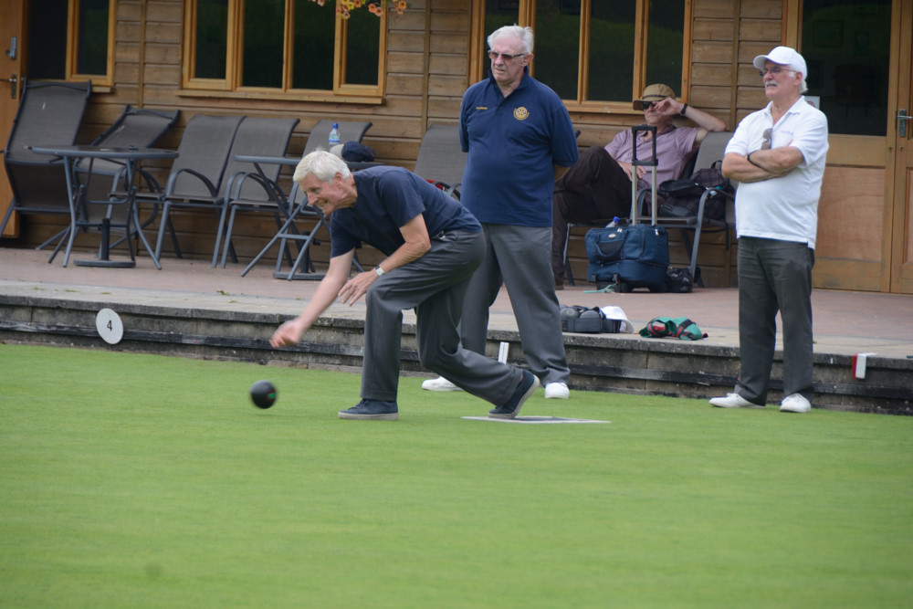 TEAM BASINGSTOKE DEANE THROUGH TO BOWLS FINAL - DSC 8437