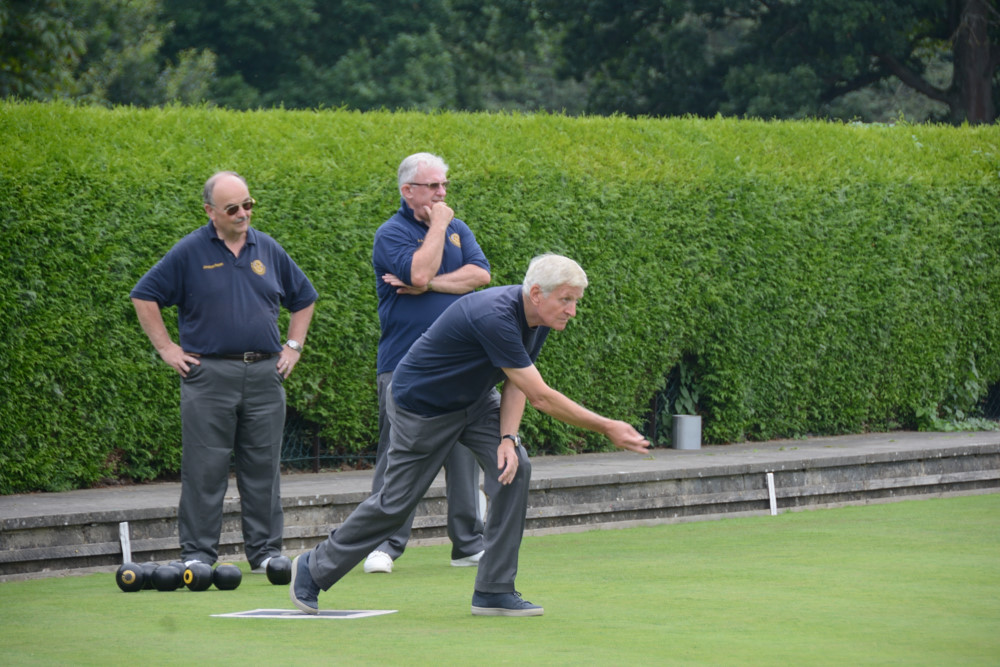 TEAM BASINGSTOKE DEANE THROUGH TO BOWLS FINAL - DSC 8470