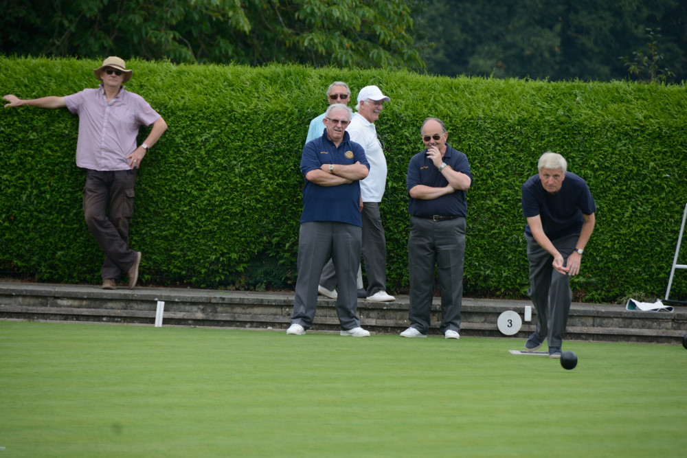 TEAM BASINGSTOKE DEANE THROUGH TO BOWLS FINAL - DSC 8502