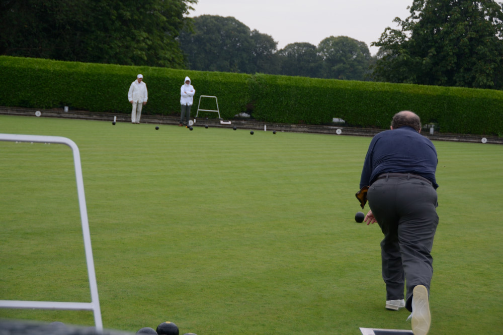 TEAM BASINGSTOKE DEANE THROUGH TO BOWLS FINAL - DSC 8544
