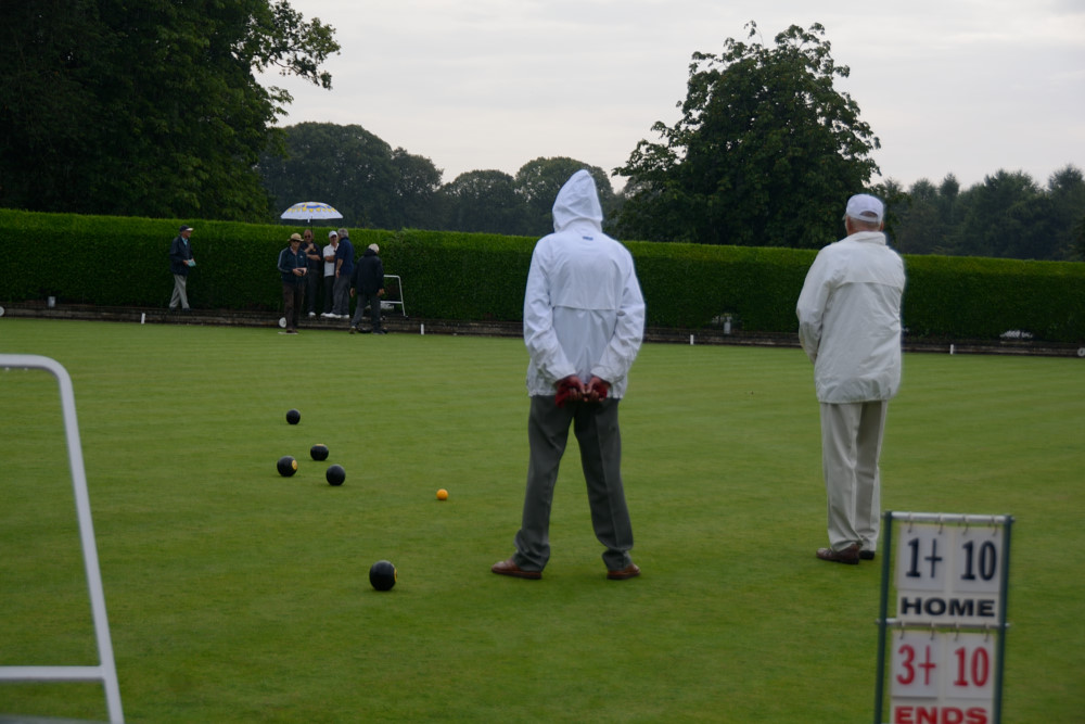 TEAM BASINGSTOKE DEANE THROUGH TO BOWLS FINAL - DSC 8562