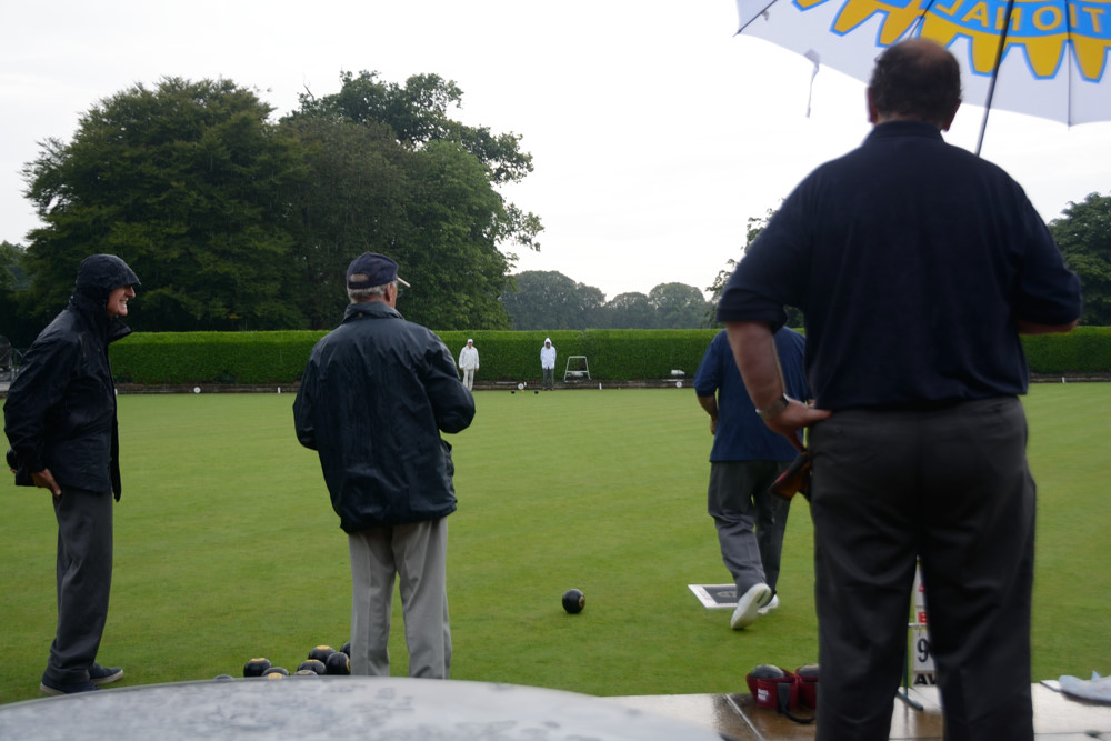 TEAM BASINGSTOKE DEANE THROUGH TO BOWLS FINAL - DSC 8574