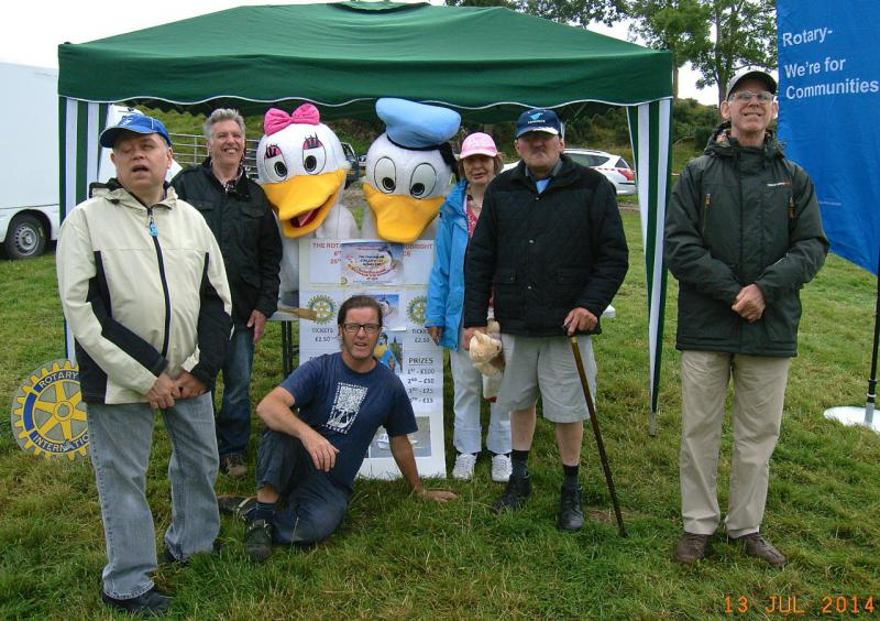 Rotary supports the Summer Festivities at the Carse Country Fair - Donald & Daisy welcomes local residents