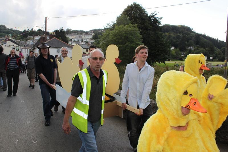2012 Lostwithiel Carnival Week - Duck Race (06)