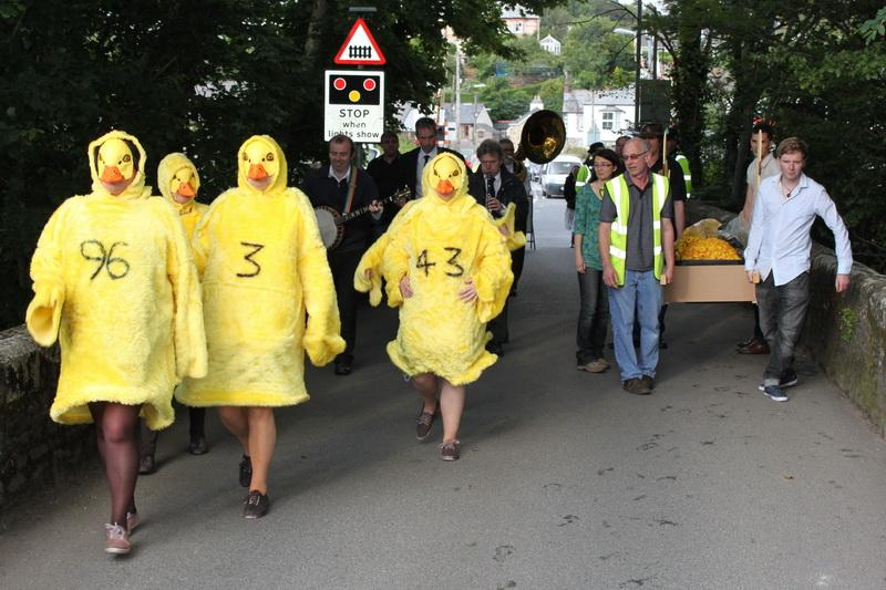 2012 Lostwithiel Carnival Week - Duck Race (07)