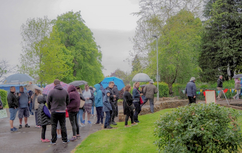 Penicuik in the Park on 25th May 2019 - Duck Race 5 the crowd-