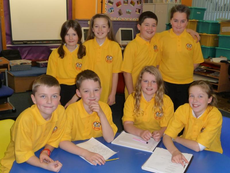 Dunlop Primary School RotaKids Club - Dunlop Rotakids in their new poloshirts