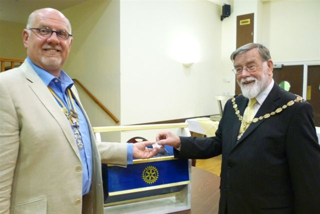 The Mayor makes The 2011 Easter Draw - The Mayor of Seaford and The President displays the winning Easter Draw ticket