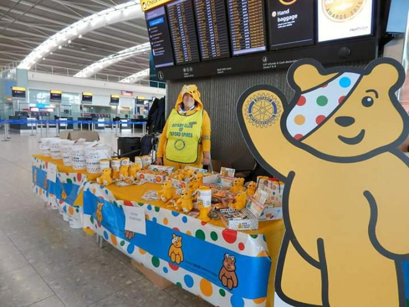 Children in Need Collection Heathrow 13th Nov 2015 - Oxford Spires on the desk