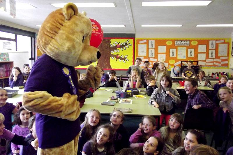 Falkland Primary School - Purple Clothes Day - ... again