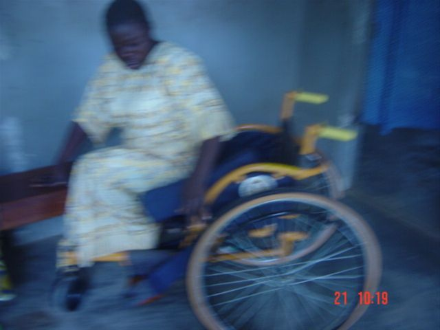 August 2009 wheelchair exhibition in Koidu - Fat