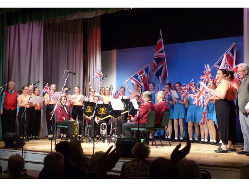Senior Citizen's Concert 2016 - Finale-800x600