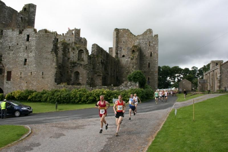 Herriot Run 2012 Report - FirstPastCastle (640x427)