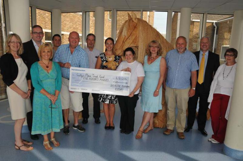 Visit to DCH to for Cheque Presentation for Gully's Place - For Web160