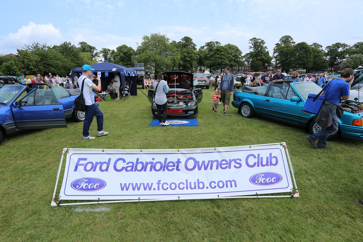 Doncaster Classic Car and Bike Show 2017 - Ford Cabriolet OC