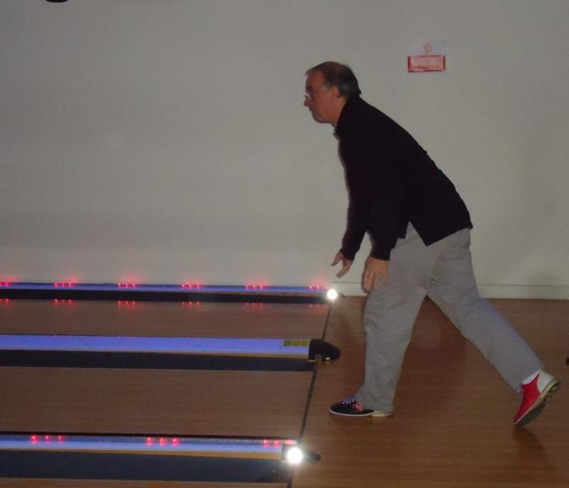 Steak and Bowls at the Grove - Ian's brother Philip in action