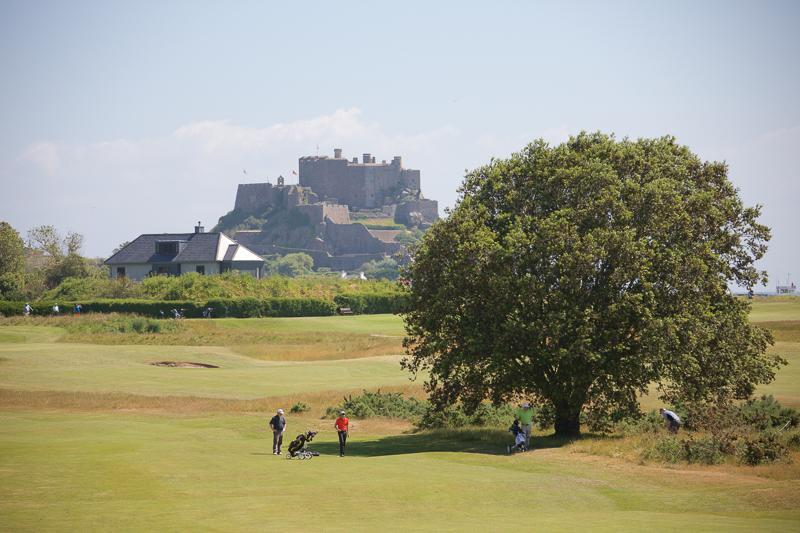 Risultati immagini per PwC Cares Charity Golf Day