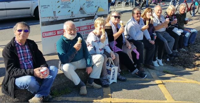 Club Fellowship and Friendship - Icecream in the sunshine
