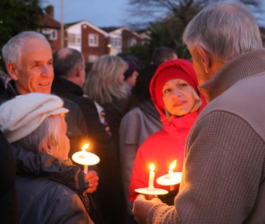 Tree of Light raises nearly £6,000 for local Charities  November 2016 -