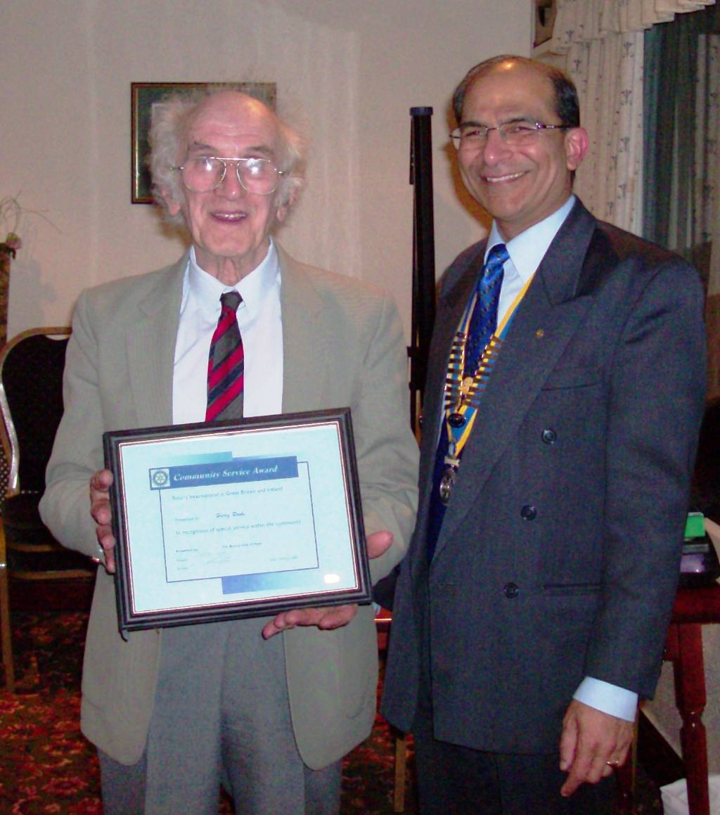 Community Awards 2008 - Harry Rooke with President Vikram Tanna