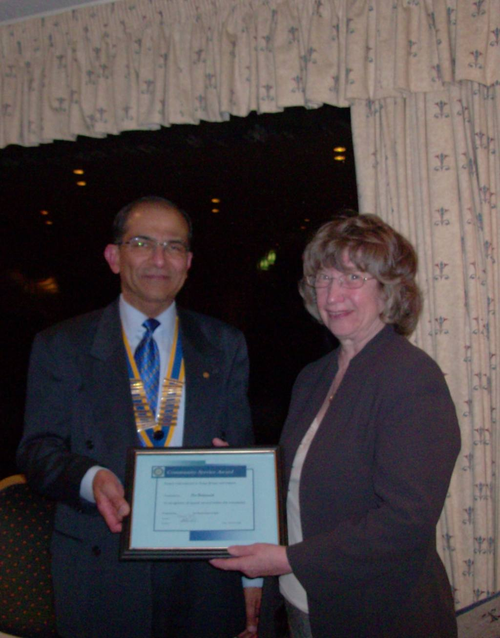 Community Awards 2008 - Pat Butterworth with President Vikram Tanna