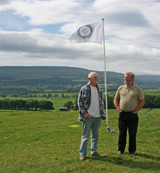 James Herriot Country Trail Run 2010 Report - Original race organiser, Alan Davies, with Club President David Pointon