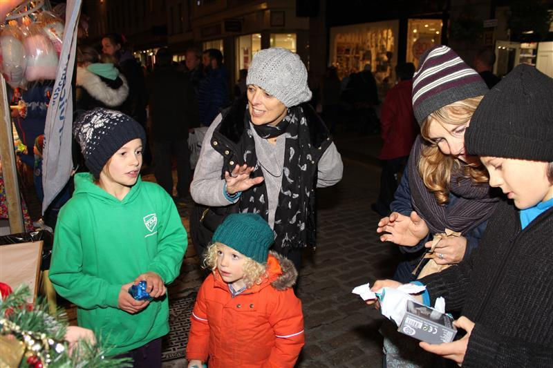 Late Night Shopping 2015 - Lucky Dip volunteers -