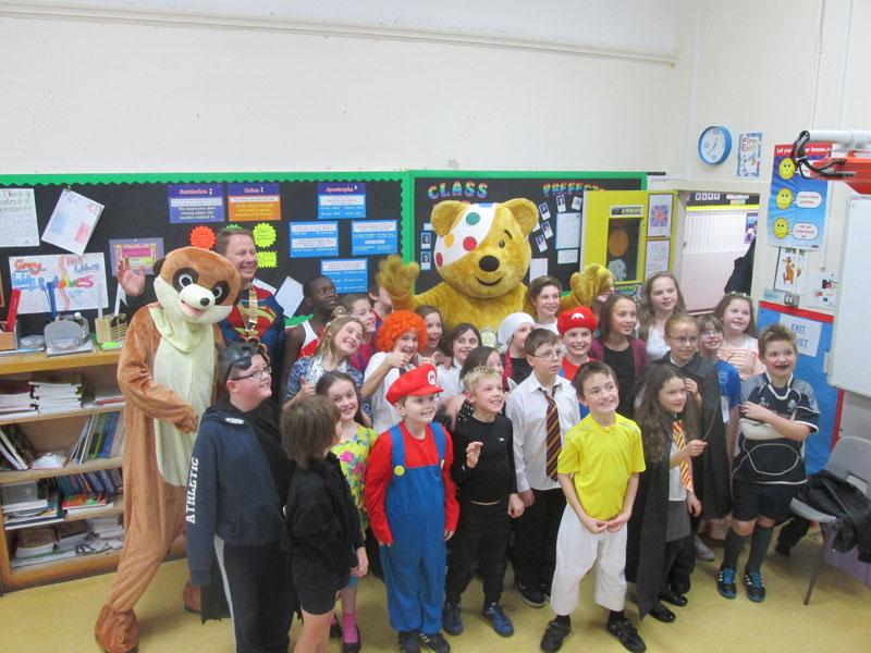 Children in Need 2014 - Pudsey and Meerkat with 'small persons'