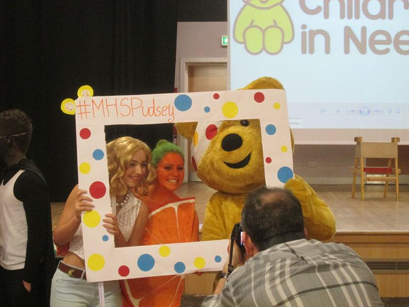 Children in Need 2014 - Posing with pupils at MHS who paid for a picture with Pudsey