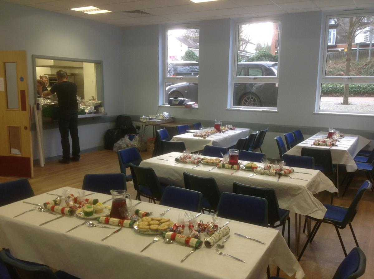 Christmas Lunch for the homeless and those on their own at Christmas - IMG 0367(4)