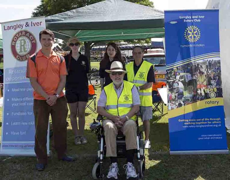 Langley Carnival - Rotaractor Alex Popov, Rotaract President Holly Whyte, Immediate Past President Amanda Holdford, Rotary President Graham Jones and Rotarian Malcolm Granger