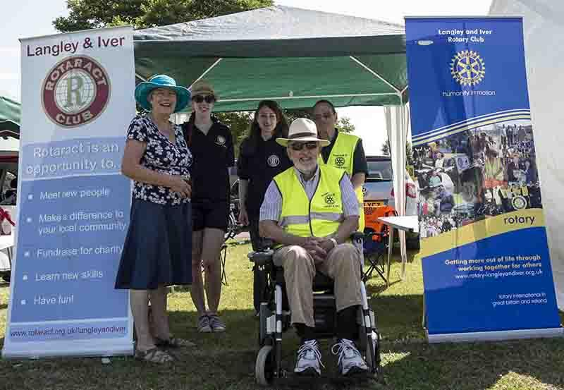 Langley Carnival - Rotarian Partner Liz Jones, Rotaract President Holly Whyte, Immediate Past President Amanda Holdford, Rotary President Graham Jones and Rotarian Malcolm Granger