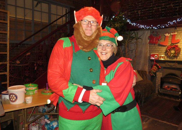 Leek Light Switch on - Elf Geoff and Elf Jean