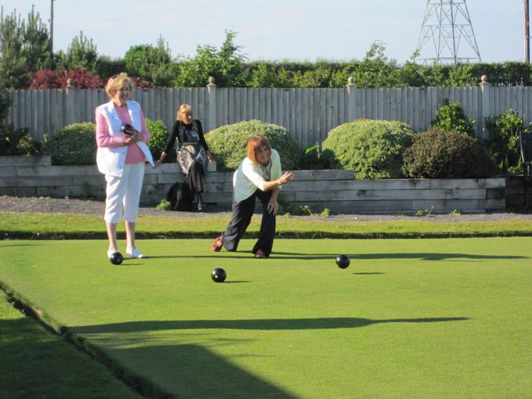 BLACKPOOL SOUTH ROTARY CLUB CROWN GREEN BOWLING COMPETITION - 2014 - Now that's a good bowl Colette.  Have you been practising?